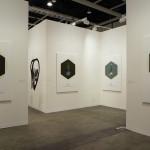 2019年香港巴塞尔艺术博览会展位现场。 图片:维他命文献库